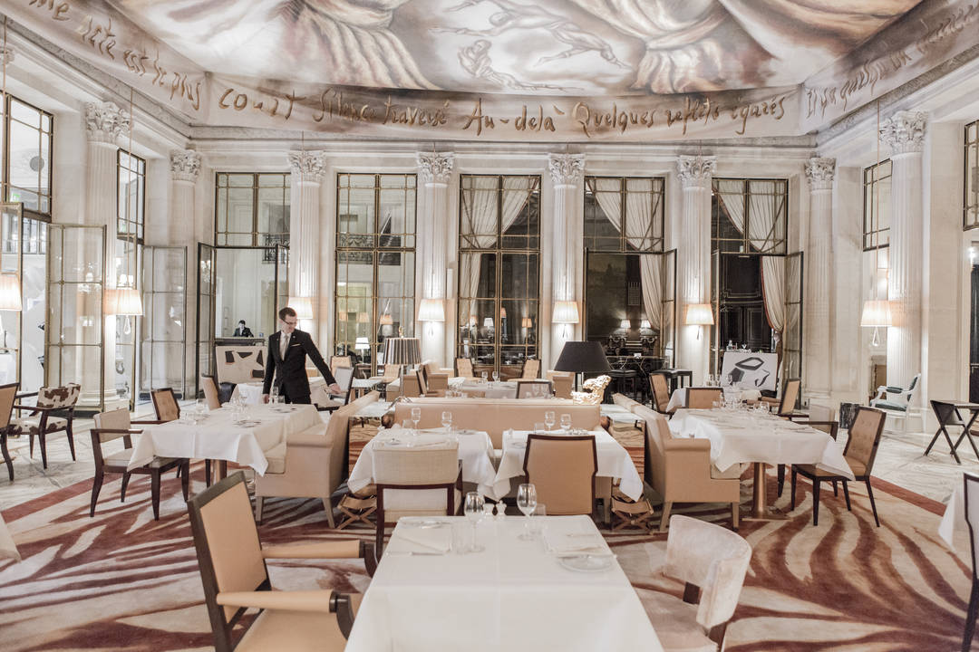 Service at Dali Restaurant Le Meurice Paris