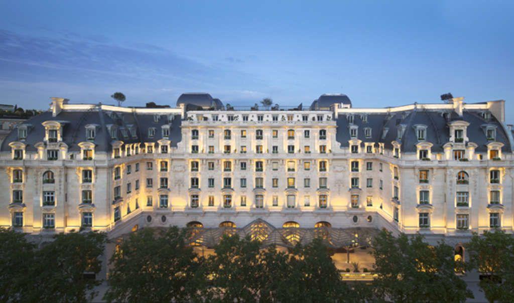 A historic building: The Peninsula, Paris.