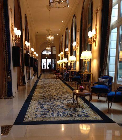 Hôtel de Crillon, lobby